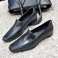 Лоферы  туфли женские на каблуке из натуральной кожи черные