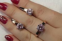 Ювелирный комплект серебряных украшений с розовым камнем