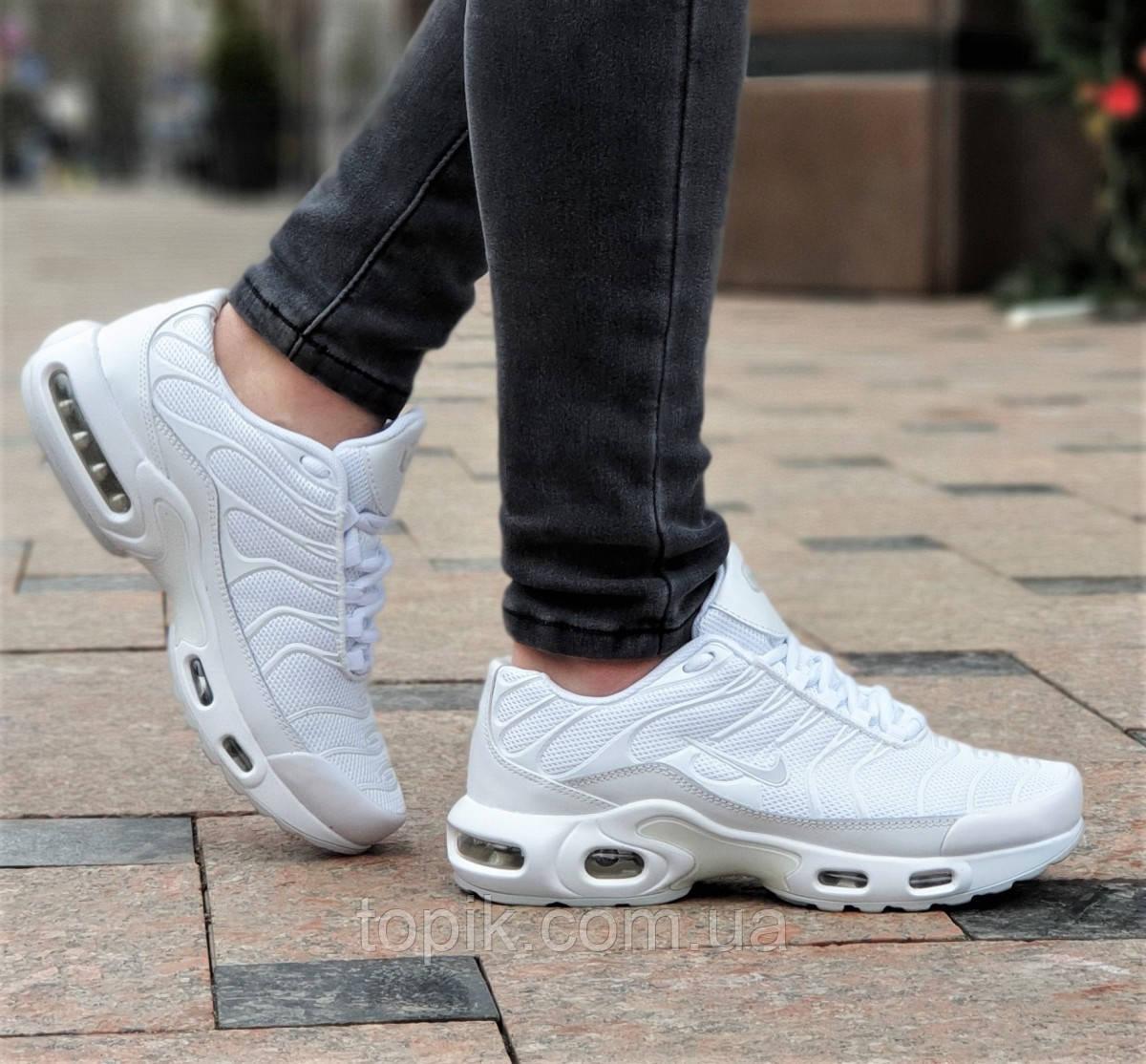 Белые женские кроссовки сетка усиленный силиконовый носок, удобные и стильные на весну лето (Код: 1351а)
