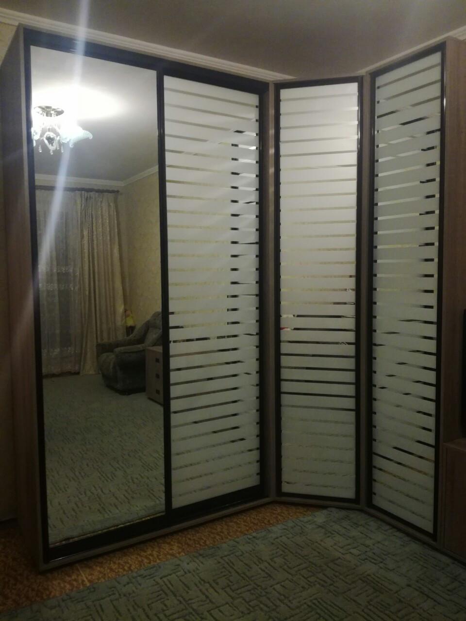 Шкаф угловой 1500*1300*2350*450