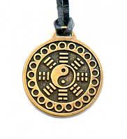Инь-Янь - символ жизни, придающий энергетическое равновесие.