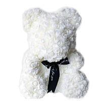 Мишка из искусственных 3D роз в подарочной упаковке 25 см белый - 140100