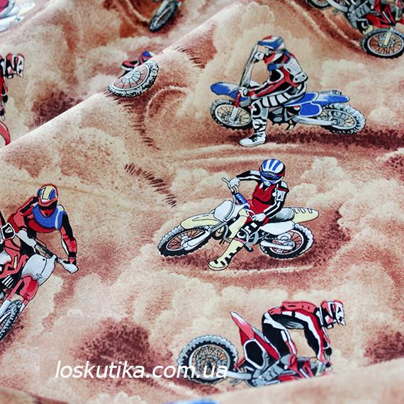 35010 Мотоциклисты. Ткани для декора и для лоскутного шитья. Американский хлопок. Красочные фоны.