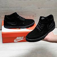 Замшевые кроссовки в стиле Nike