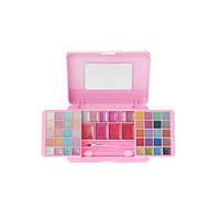 Косметика великолепная в розовой блестящей коробке фирмы Claire s