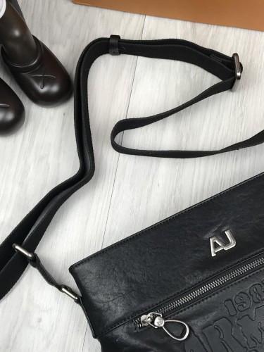 53449742e884 ... Брендовая кожаная женская сумка мессенджер Armani Jeans черная через плечо  унисекс Армани Джинс люкс реплика, ...