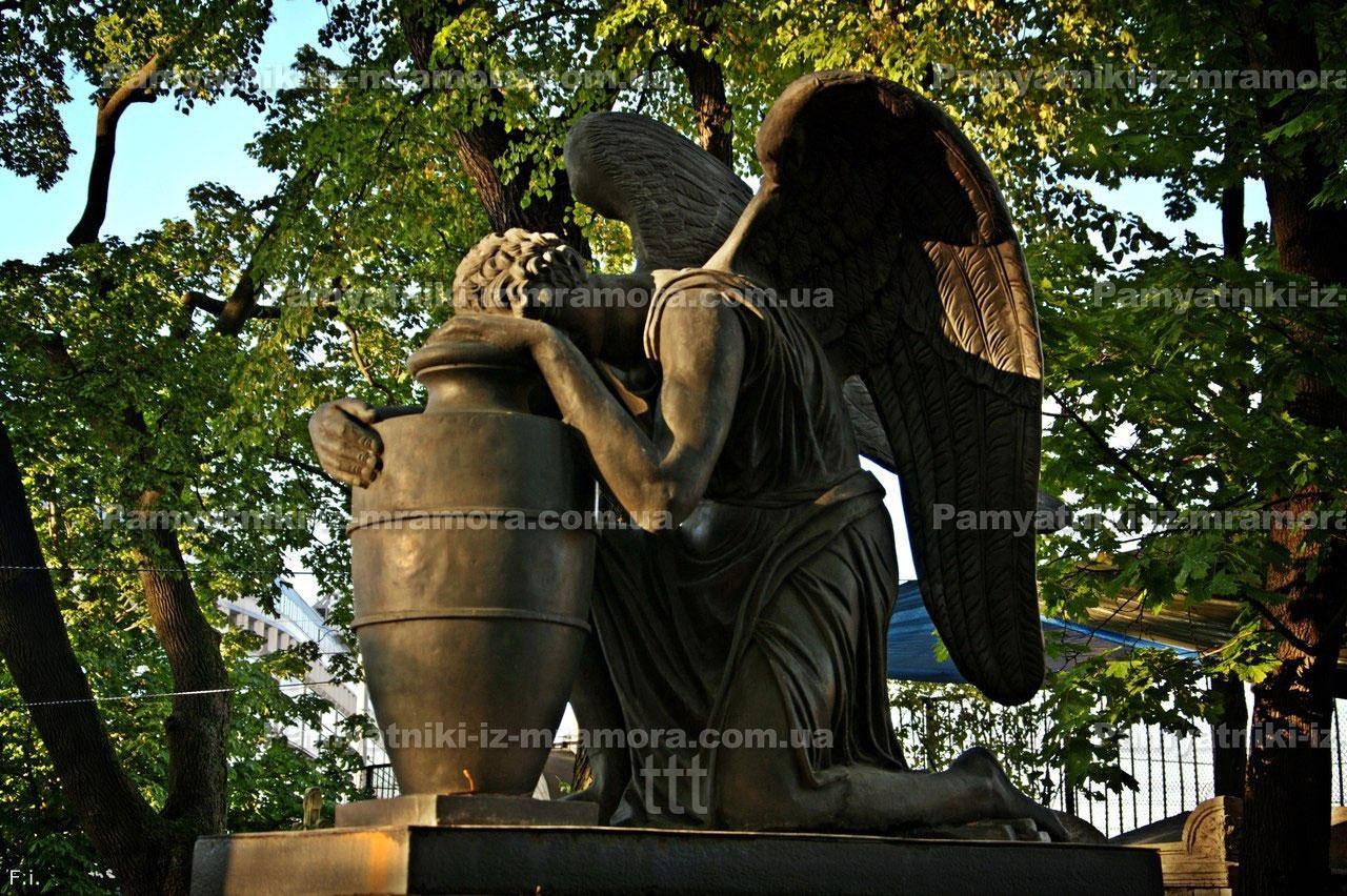 Бронзовая скульптура  ангела №3