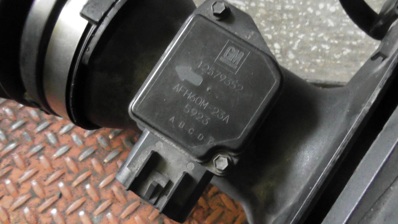 12579352 Датчик потока воздуха (расходомер)  Hummer H3 2005-2010 г.в. оригинал. В наличии!
