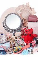 Подарки и аксессуары (часы, бижутерия, игрушки)
