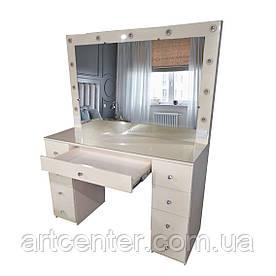 Стол с фасадами из  МДФ для визажиста, гримера с выдвижными ящиками и зеркалом с подсветкой