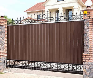 Откатные ворота из профнастила, кованые элементы, размер 3000х2000 мм