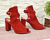 Жіночі червоні босоніжки на високому стійкому каблуці, фото 4