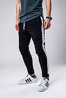 Спортивные штаны мужские весенне/осенние с белыми лампасами, цвет черный