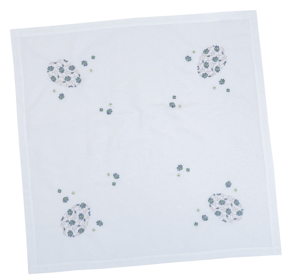 Скатерть тканевая пасхальная белая вышитая 85x85 см с вышивкой