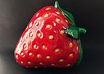 Садовая фигура  клубника, фото 2