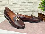 Женские кожаные туфли-мокасины на утолщенной черной подошве. Цвет бордовый, фото 4
