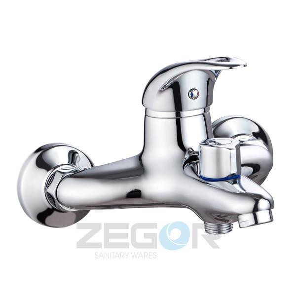 Смеситель ZEGOR ванная короткий  NHK3-A048