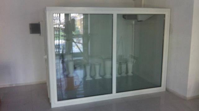 Холодильник для цветов  (+2...+6С) г. Днепр, ул. Гончара 20