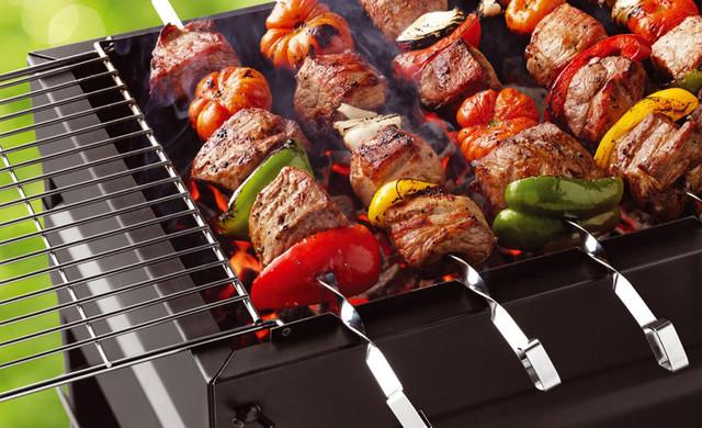 Мангали, коптильні та інші аксесуари для приготування м'яса