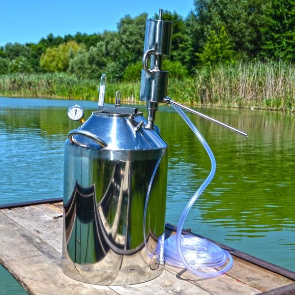 Автоклав на 40 литров с вертикальным дистиллятором