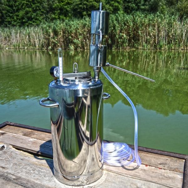 Автоклав с вертикальным дистиллятором на 30 литров