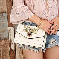 Маленькая женская сумка Стрекоза с бусинами и камнями белая