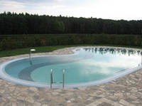 Стационарный стекловолоконный усиленный бассейн 10,5х4,5 глубиной от 1,2м до 2,05м.