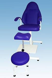 Педикюрное кресло с регулируемой пуф-подставкой КП-2