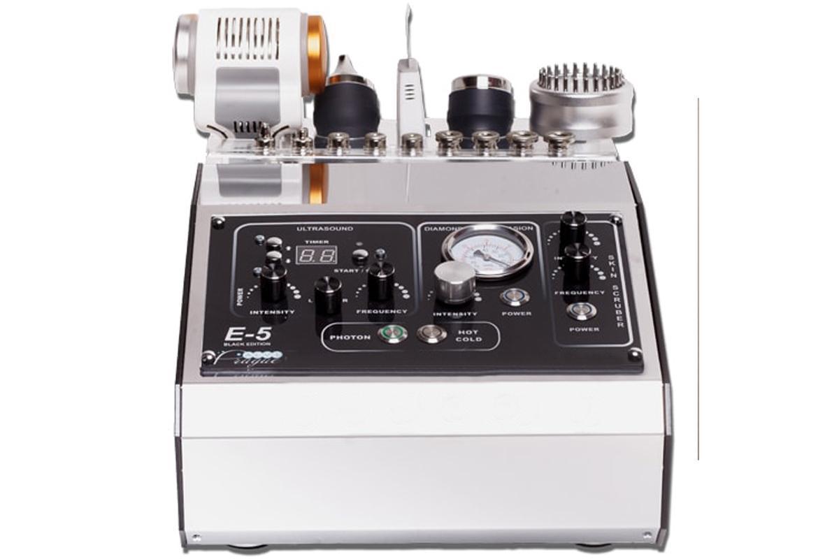Многофункциональный косметологический аппарат с функциями: ультразвуковой терапии, алмазный пилинга, тепло-хол