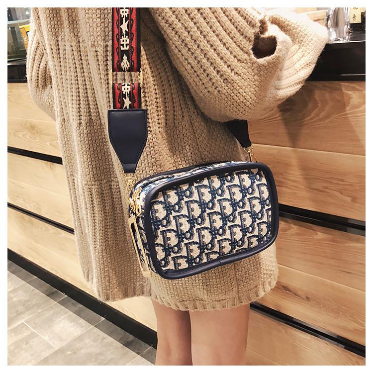 56a05acfe019 Женская сумка классическая через плечо в стиле Christian Dior - Strelecia -  интернет-магазин женских