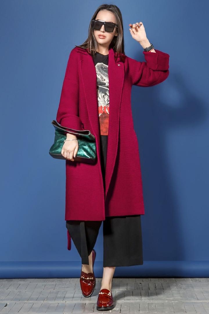 Стильное вязаное пальто-кардиган под пояс