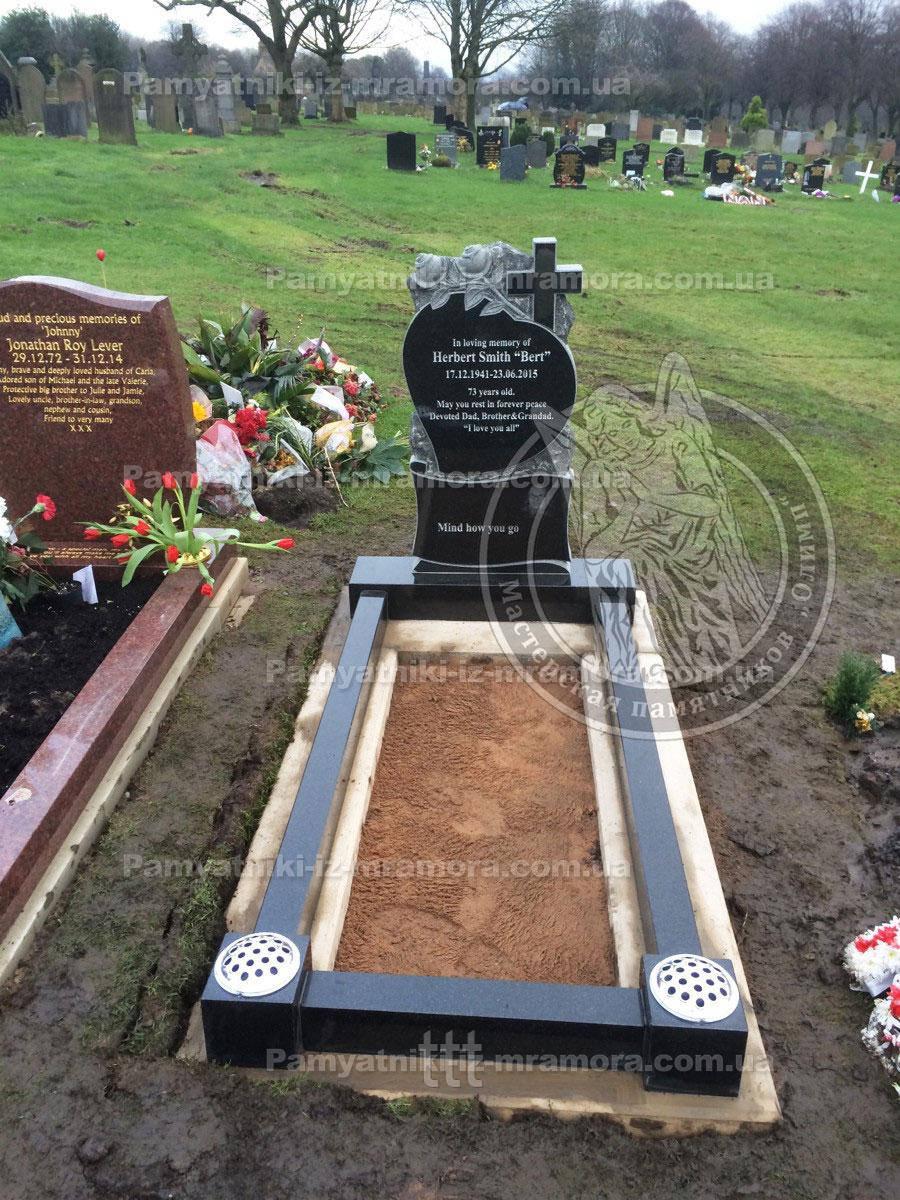 Памятник с розами и крестом № 30