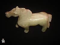 Лошадь из оникса ( 10 х 16 см.)