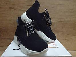 Женские кроссовки из натуральной замши Lonza