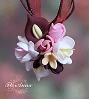 """Кулон с цветами ручной работы """"Каллы с фрезиями и розами"""". Подарок девушке на день влюбленніх, 8 марта"""