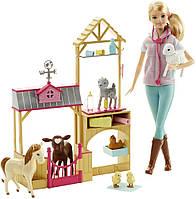 Барбі ветеринар на фермі Barbie Careers Farm Vet Doll & Playset, фото 1