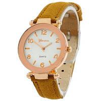 Наручные женские часы Geneva золото кожзам коричневый светлый