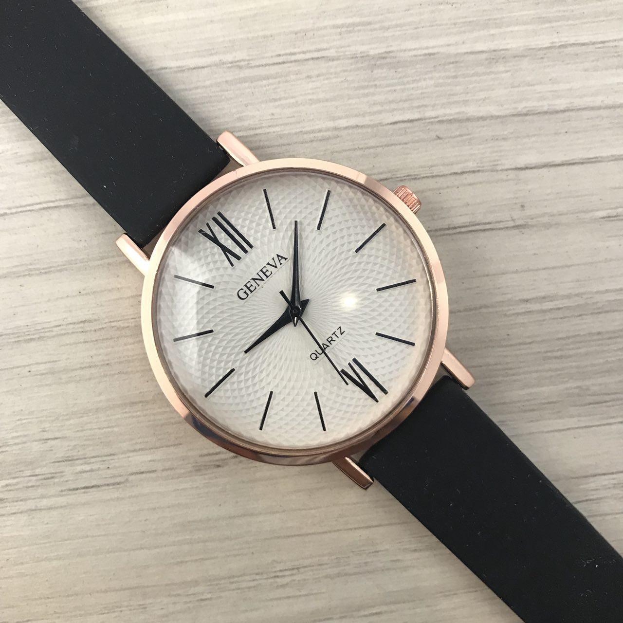 Наручные женские часы Geneva золото силикон черный