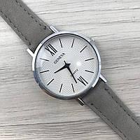 Наручные женские часы Geneva серебро с цифрами кожзам серый