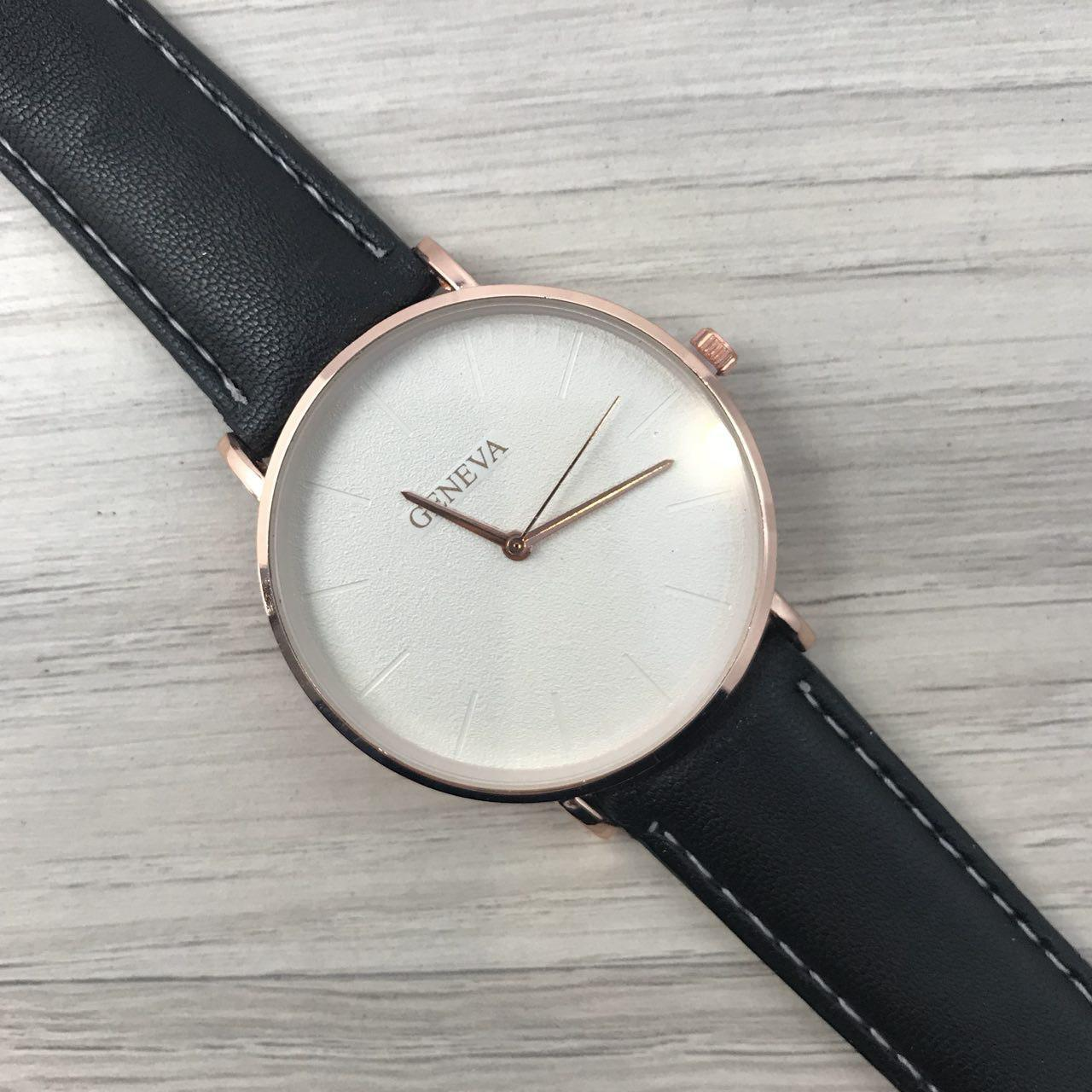 Наручные женские часы Geneva кожзам бронза белый бронза черный