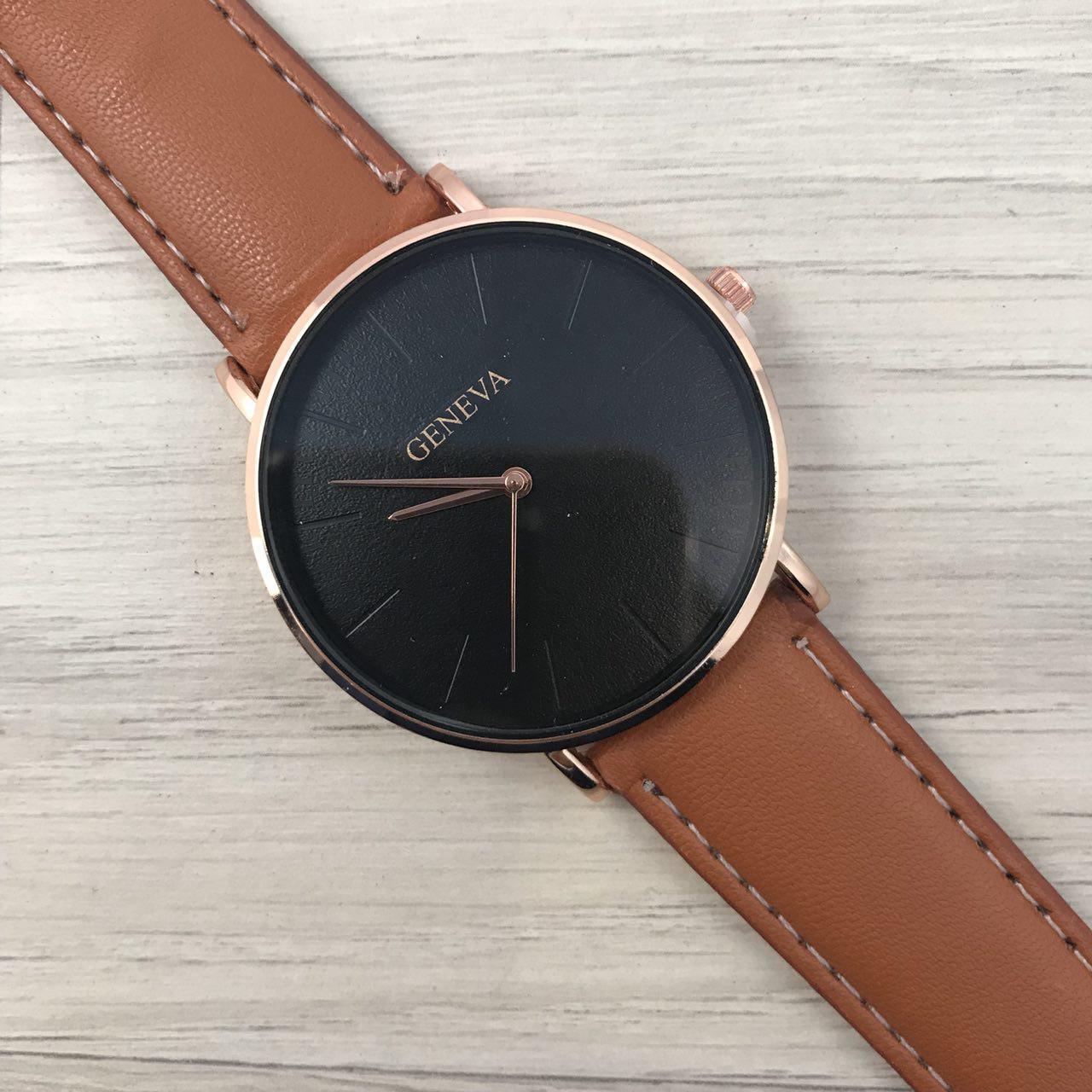 Наручные женские часы Geneva кожзам бронза черный бронза коричневый