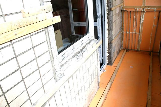 Как сделать деревянный пол на балконе?