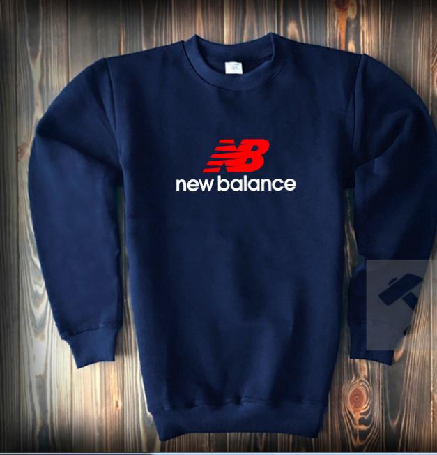 Свитшот цвета нави New Balance с бело-красным логотипом топ-реплика