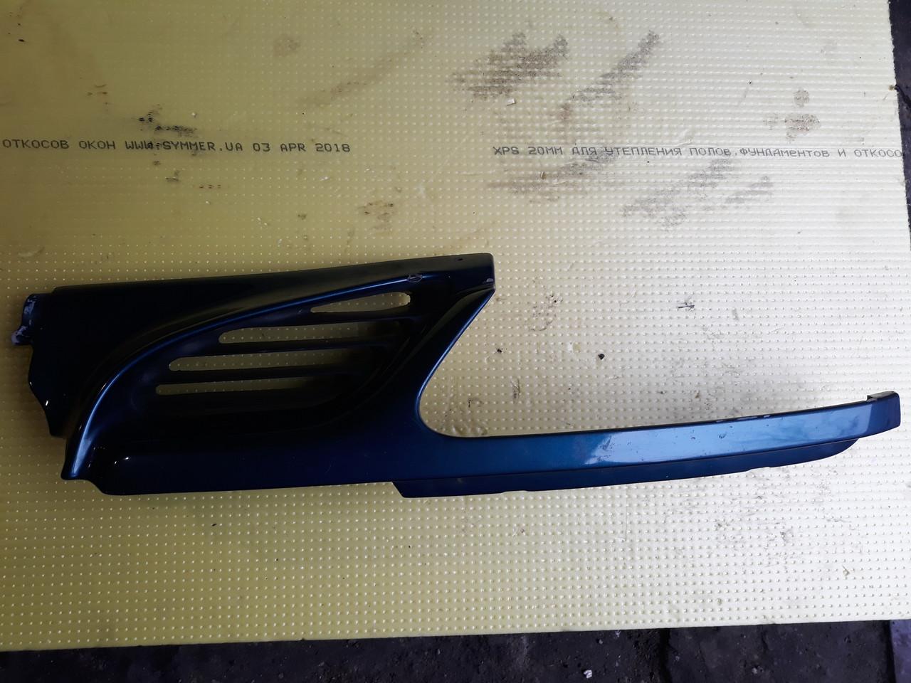 Решётка радиатора левая Renault megane scenic 1 I 7700834200 95-99
