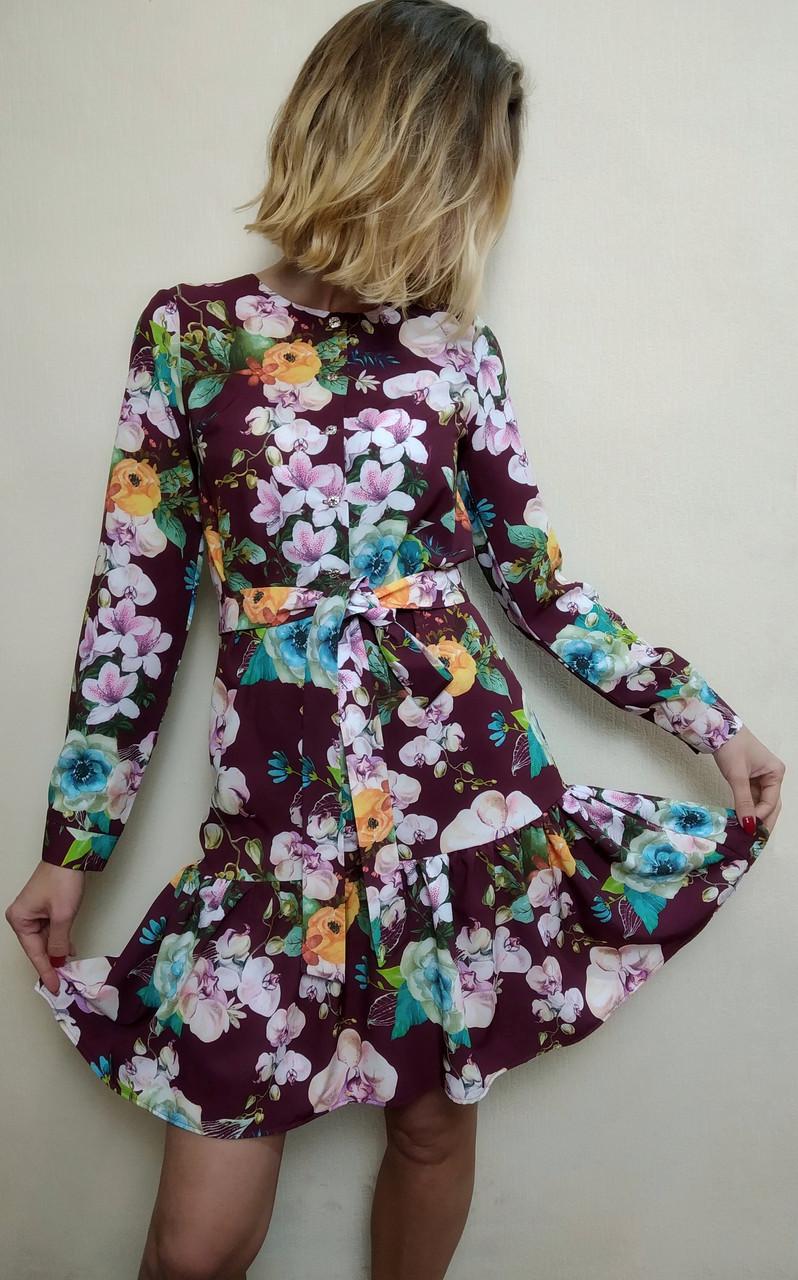 Женское короткое платье с рюшей и поясом П256