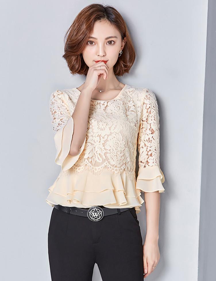 Нарядная блузка с гипюром 44-46 (в расцветках)