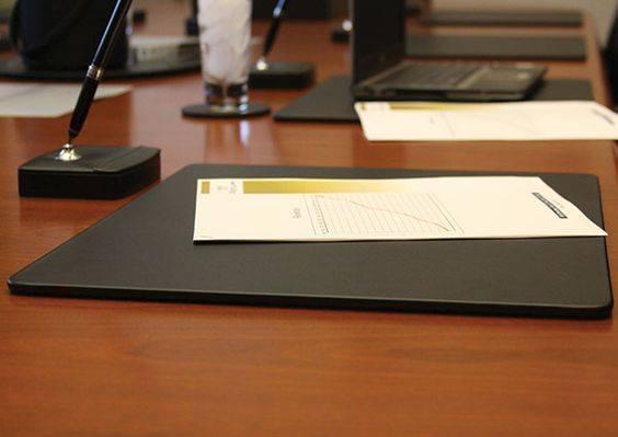 Подложка на стол Вермонт Экокожа 500 х 800 мм чёрная (бювар)