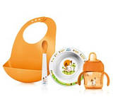 Посуда для кормления и слюнявчики