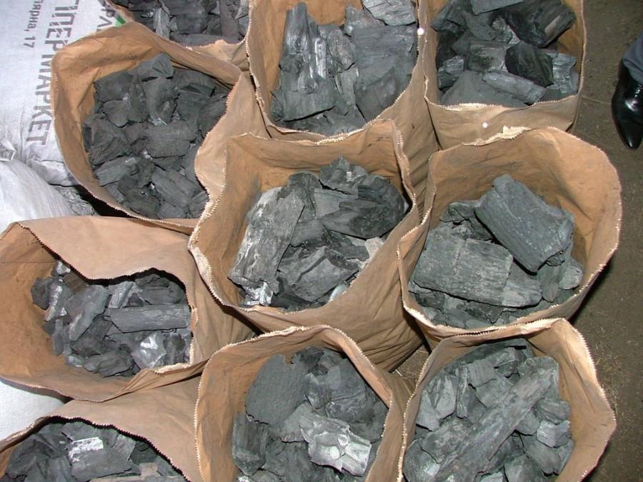 Древесный уголь и брикет для гриля и мангала