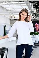 Нежная блуза со спадающим плечом